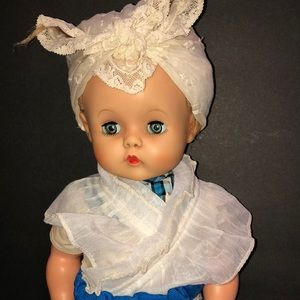 Vintage doll with O/S eyes 💕